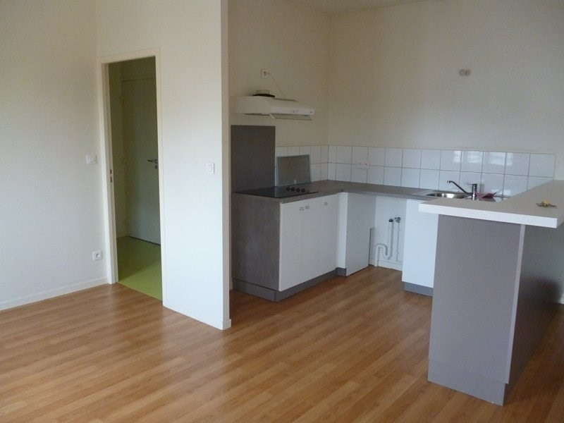 Rental apartment Aureilhan 420€ CC - Picture 2