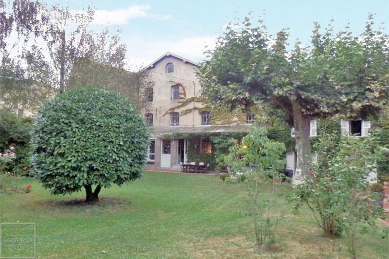 Deluxe sale house / villa Guereins 680000€ - Picture 3