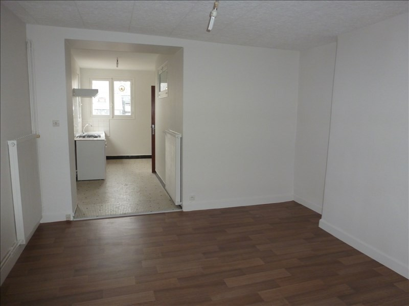 Location appartement Chatellerault 325€ CC - Photo 1