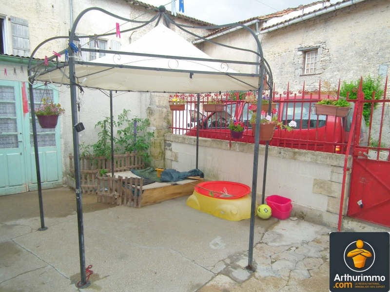 Sale house / villa Matha 63 600€ - Picture 1