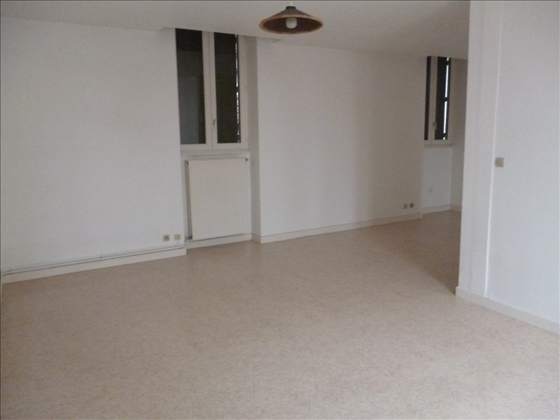 Location appartement Le coteau 403€ CC - Photo 3