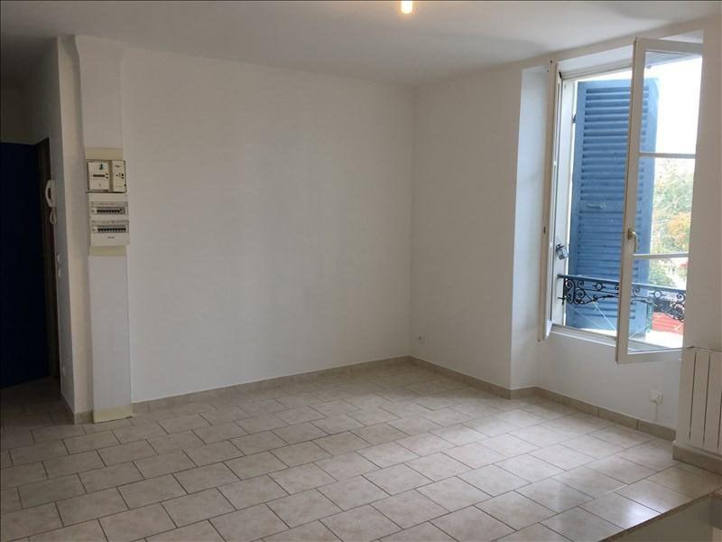 Rental apartment Corbeil essonnes 700€ CC - Picture 2
