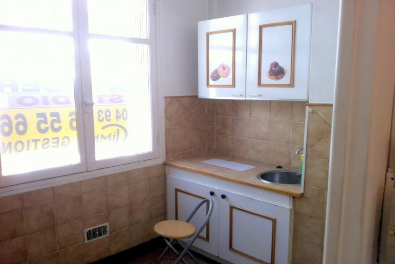 Location appartement Nice 421€ CC - Photo 2