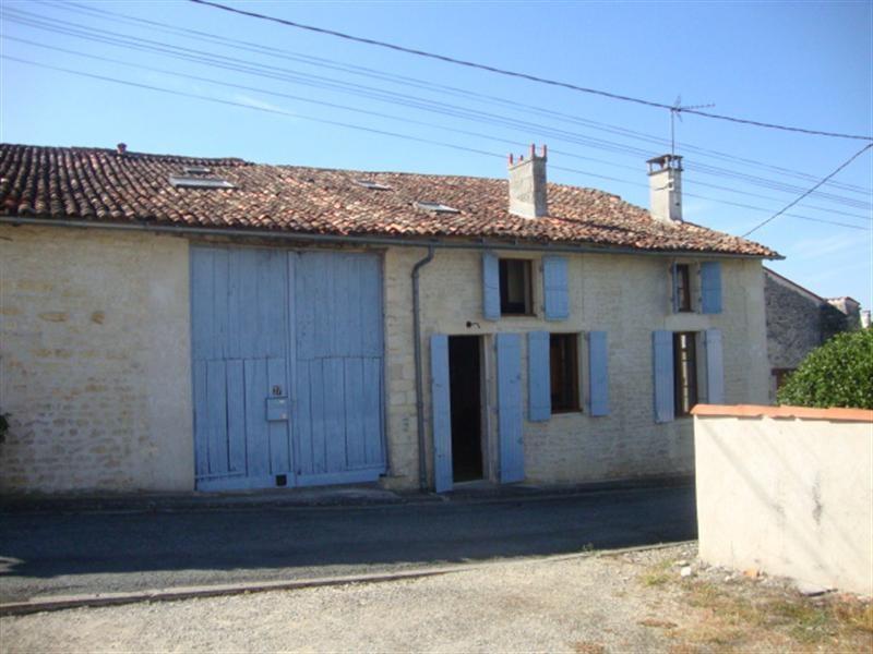 Sale house / villa Saint-jean-d'angély 101250€ - Picture 1