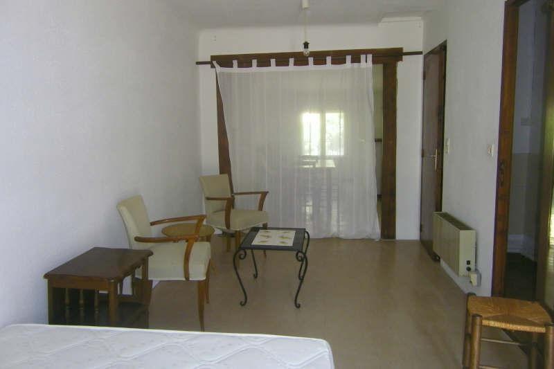 Rental apartment Vauvenargues 595€ CC - Picture 1
