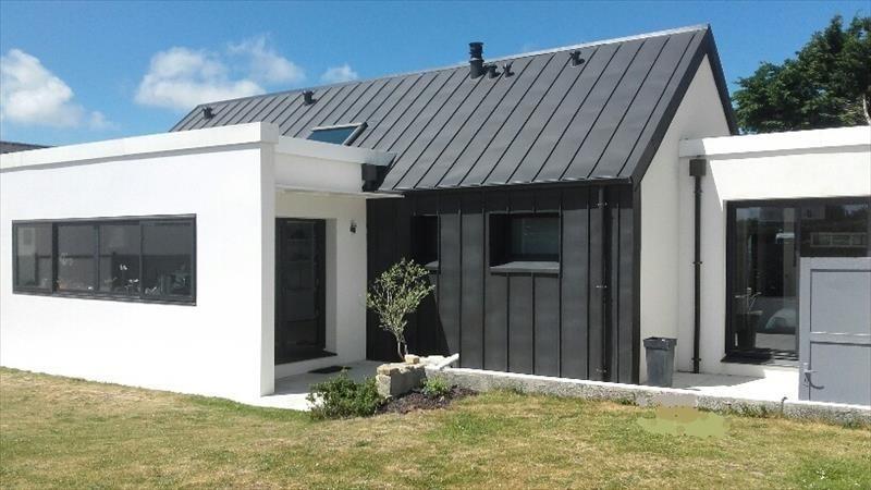 Sale house / villa Saint pabu 540000€ - Picture 1