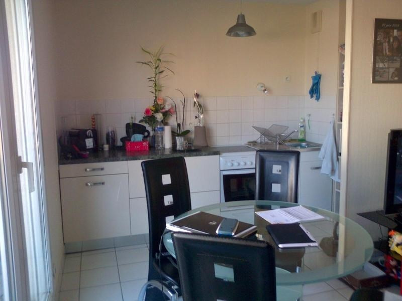 Location appartement Villeurbanne 596€cc - Photo 3