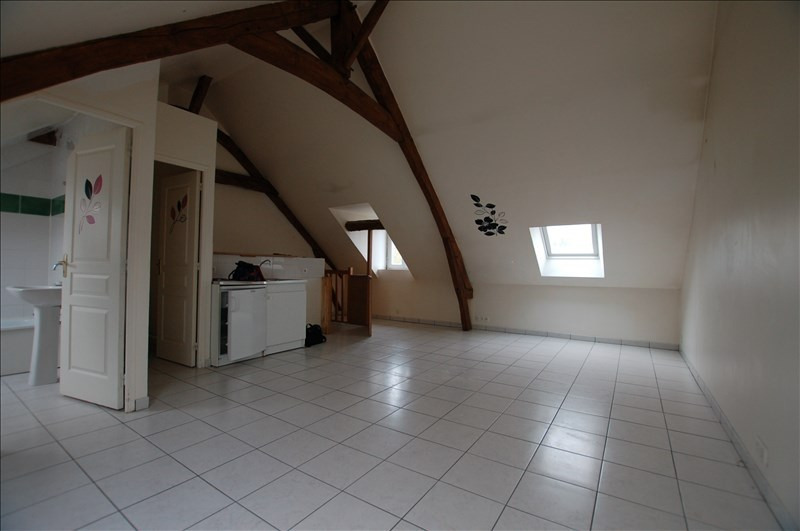 Rental apartment Mareil sur mauldre 570€ CC - Picture 1
