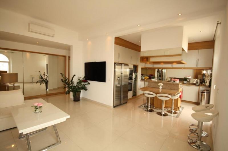 Sale apartment Juan-les-pins 399000€ - Picture 1