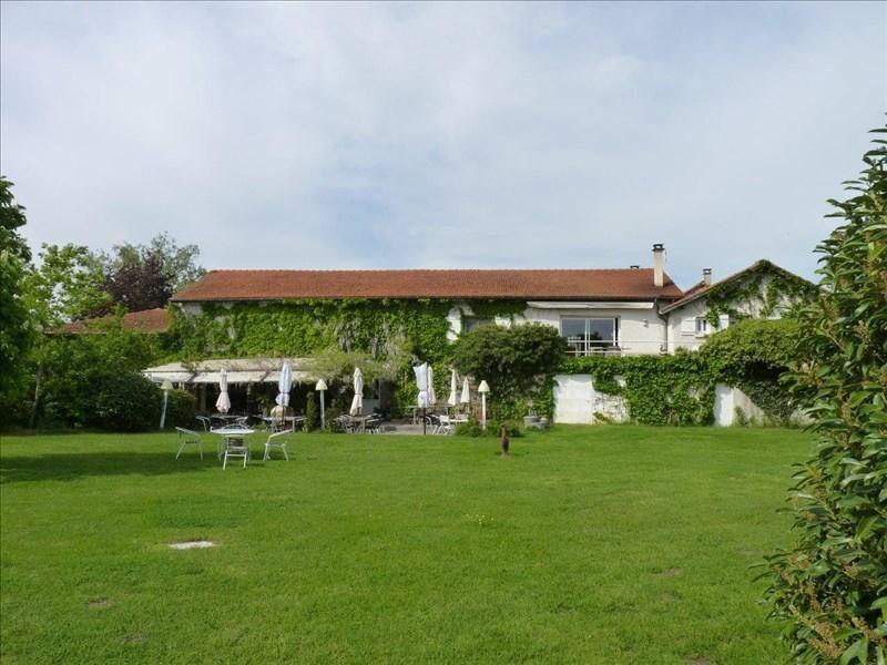 Deluxe sale house / villa Feurs 590000€ - Picture 1