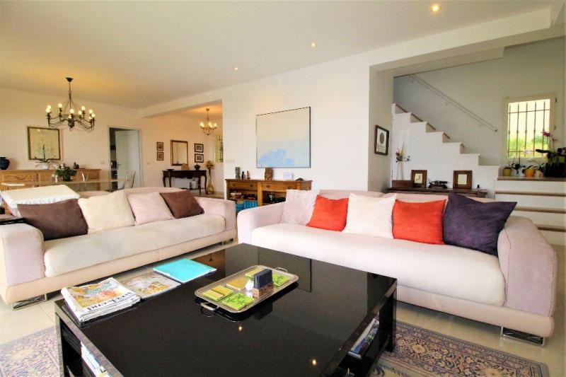 Deluxe sale house / villa Vence 850000€ - Picture 1