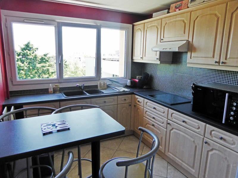 Sale apartment Elancourt 187000€ - Picture 2