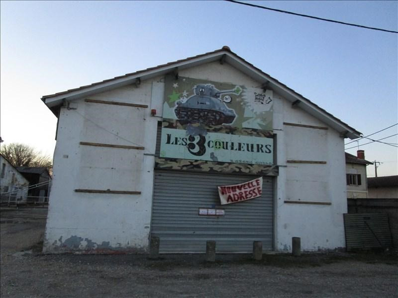 Location local commercial Ambares et lagrave 1 000€ HT/HC - Photo 2
