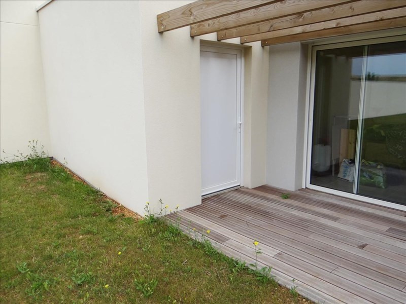 Location maison / villa Chasseneuil du poitou 790€ CC - Photo 10