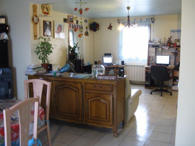 Sale house / villa Crevecoeur le grand 177000€ - Picture 6