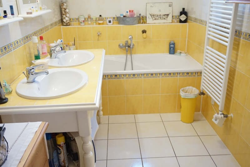 Sale house / villa Venissieux 299000€ - Picture 8
