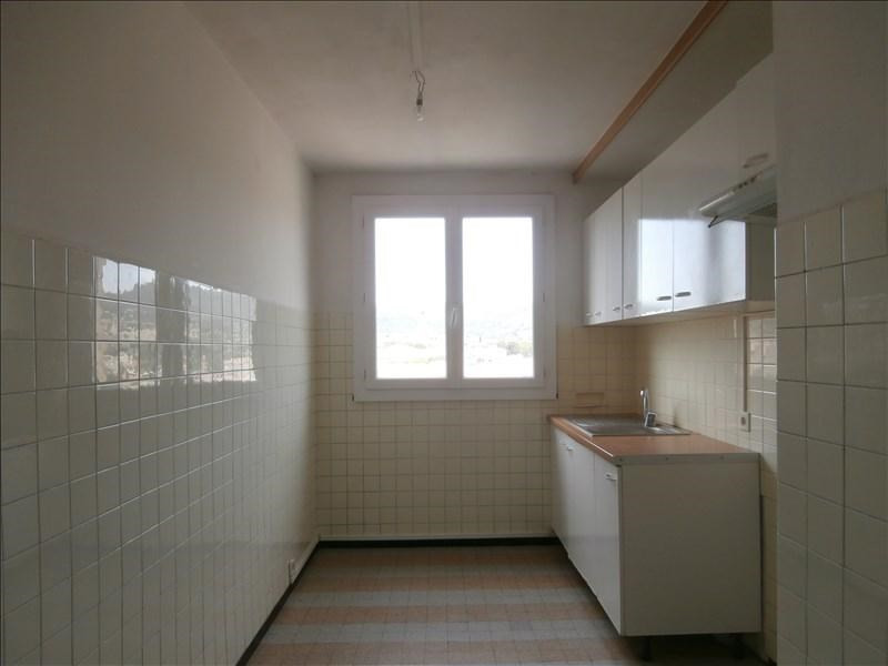 Sale apartment Manosque 99 000€ - Picture 2