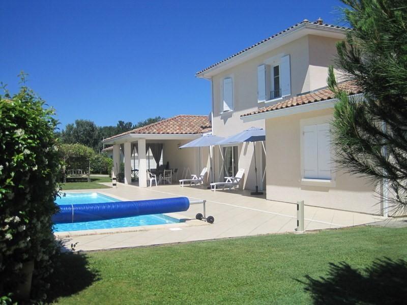 Sale house / villa Petit palais et cornemps 335000€ - Picture 2