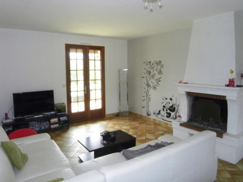 Rental house / villa Jarnac 705€ CC - Picture 4