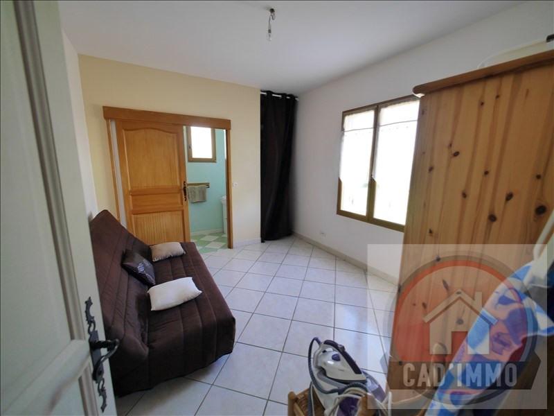 Sale house / villa St pierre d eyraud 269000€ - Picture 6
