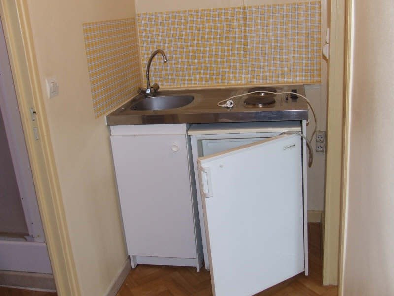 Rental apartment Avesnes sur helpe 370€ CC - Picture 3