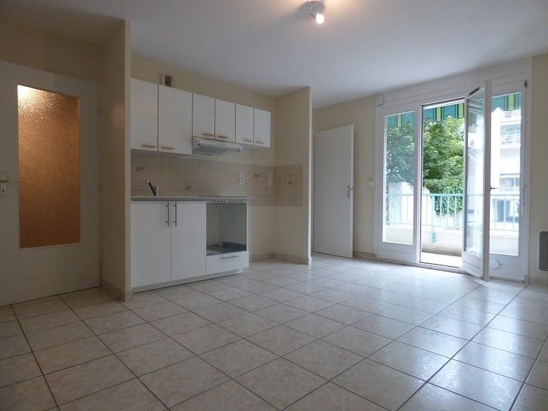 Rental apartment Aix les bains 590€ CC - Picture 1
