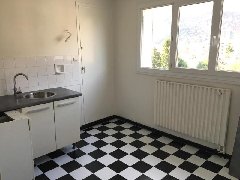 Location appartement Fontaine 624€ CC - Photo 2