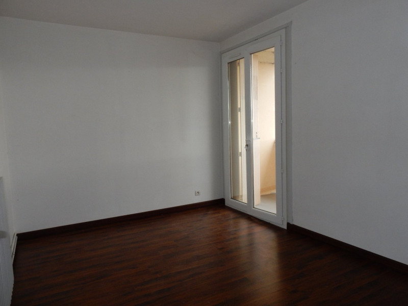 Sale apartment Colayrac st cirq 76 100€ - Picture 5