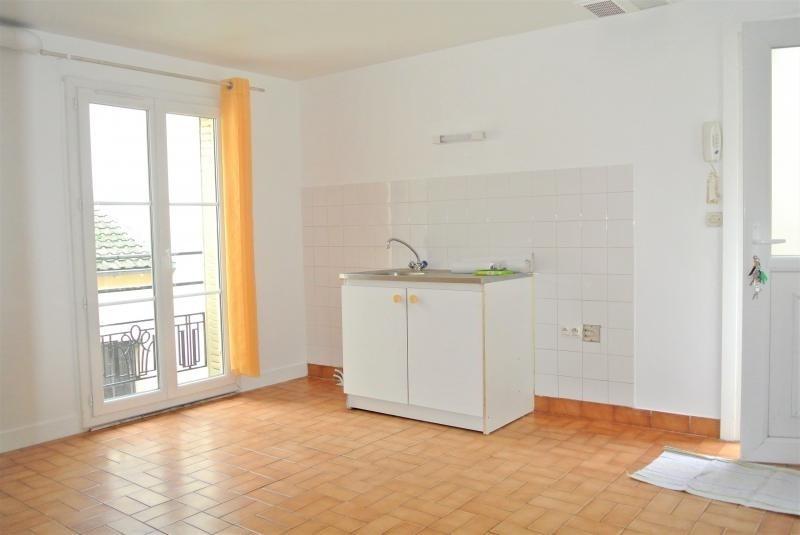 Rental apartment St leu la foret 690€ CC - Picture 2