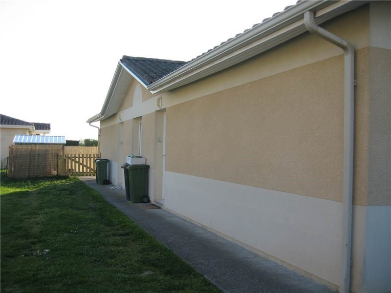 Location maison / villa Ambares-et-lagrave 594€ CC - Photo 4