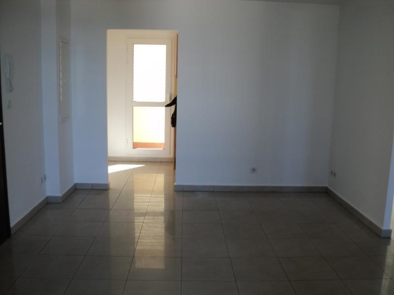 Sale apartment St denis 172 800€ - Picture 2