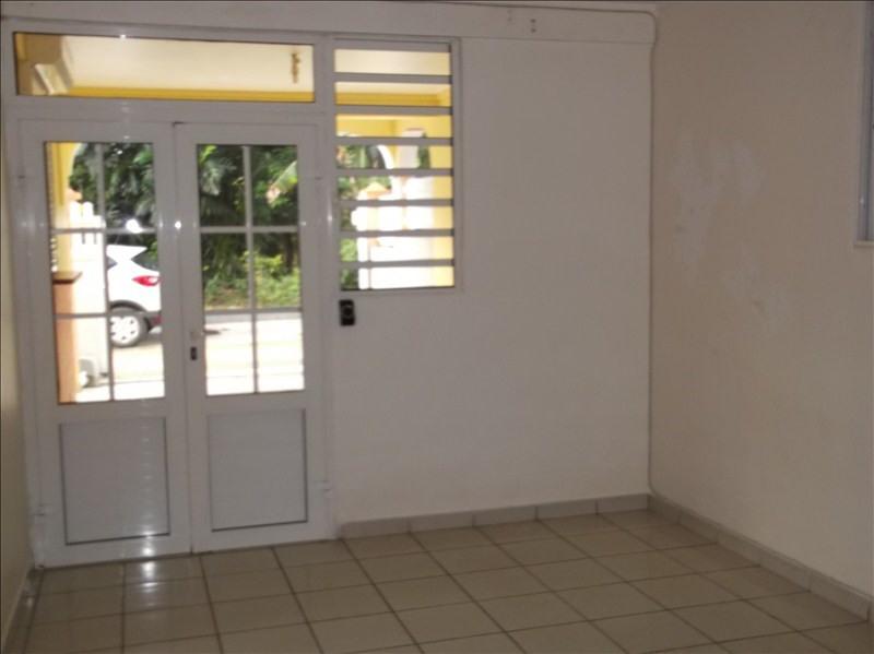Rental apartment Lamentin 780€ CC - Picture 3