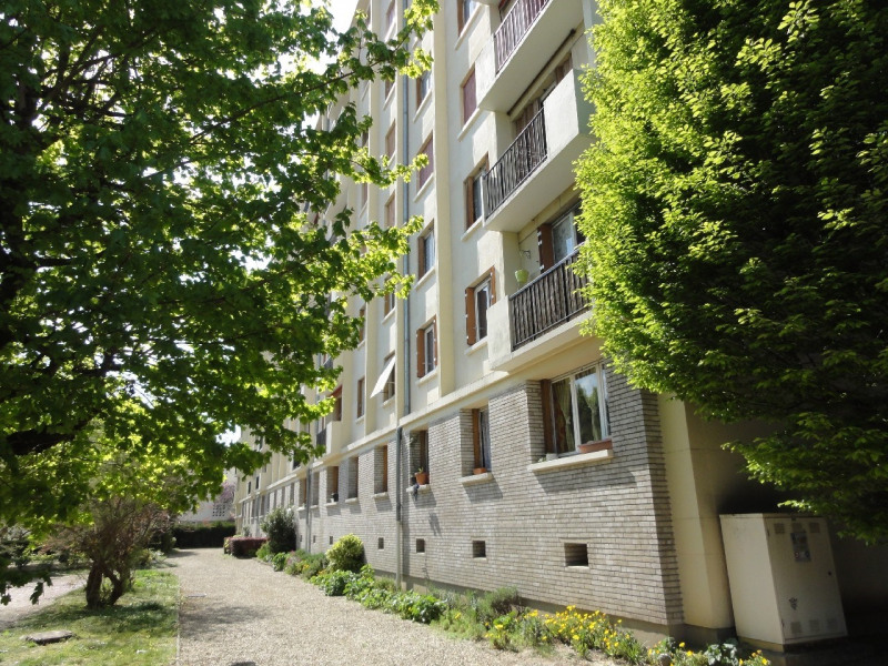 Sale apartment Melun 124400€ - Picture 1