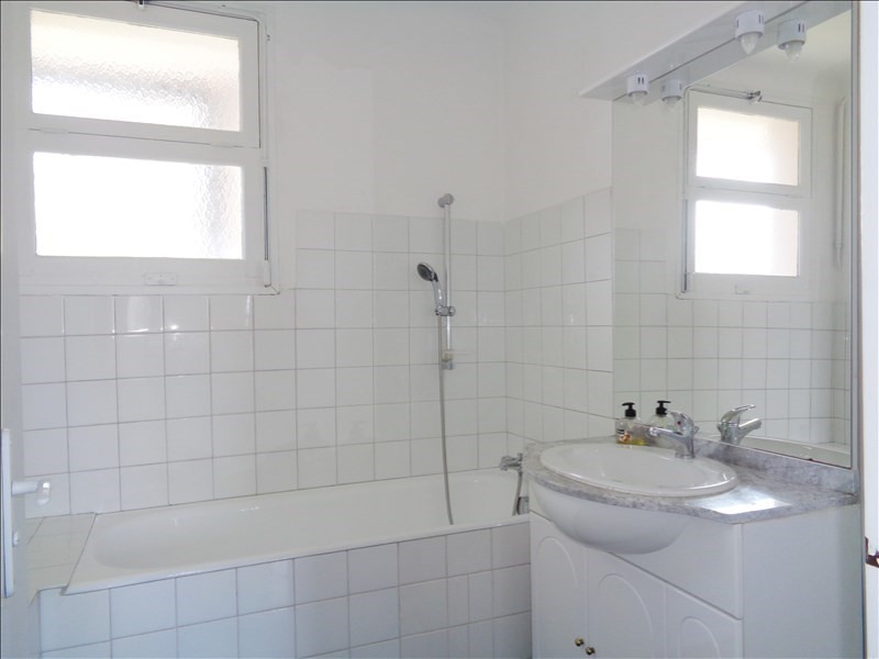 Location appartement Seyne sur mer 750€ CC - Photo 9