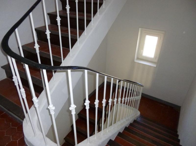 Rental apartment Entraigues sur la sorgue 648€ CC - Picture 10