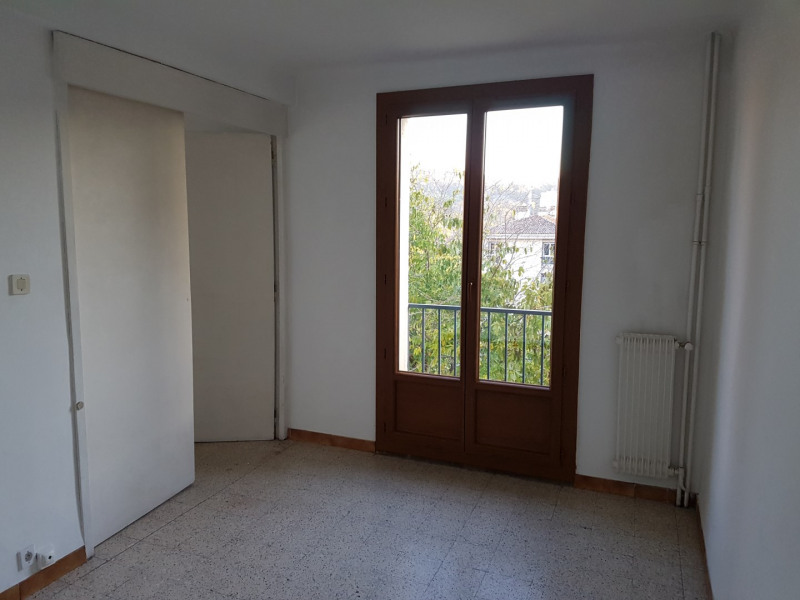 Location appartement Aix en provence 978€ CC - Photo 2