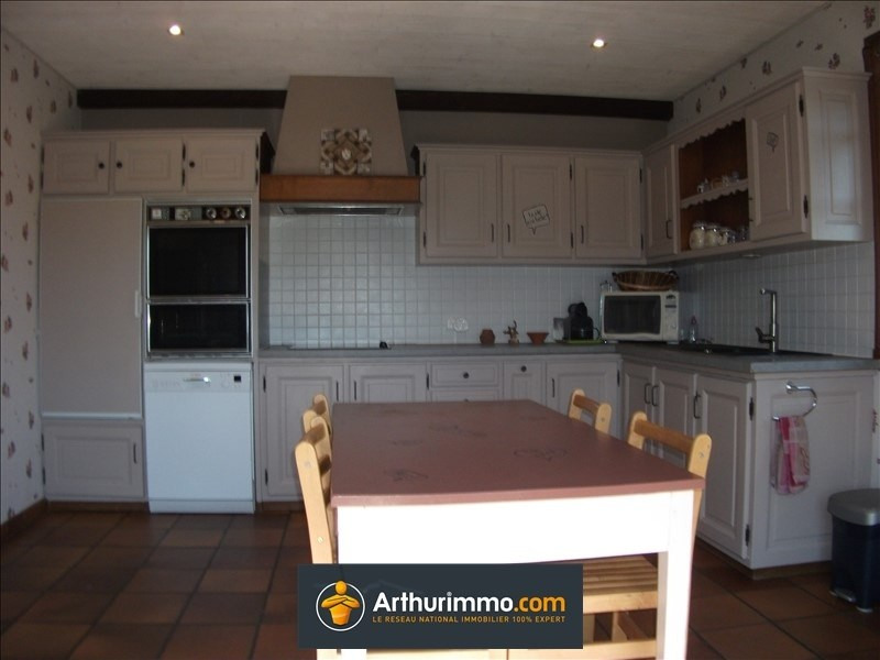 Sale house / villa Belley 325000€ - Picture 5