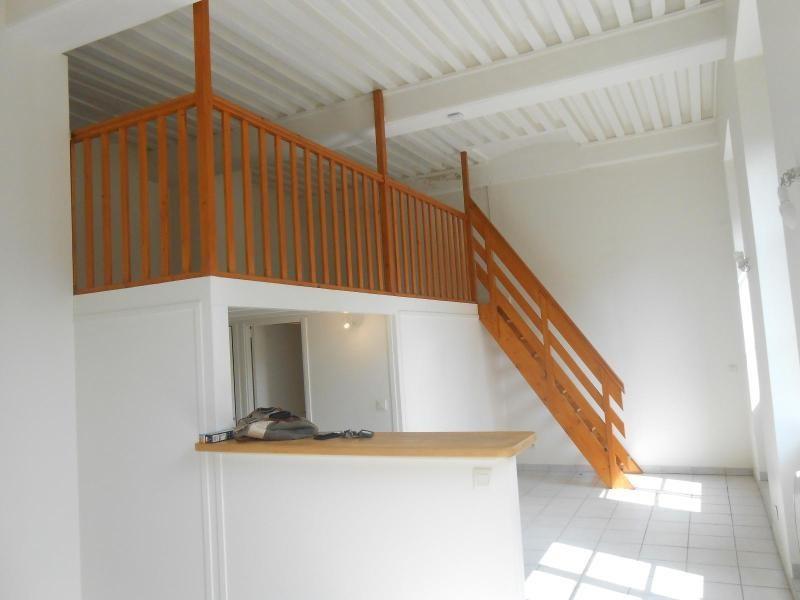 Location appartement Lyon 1er 582€ CC - Photo 1