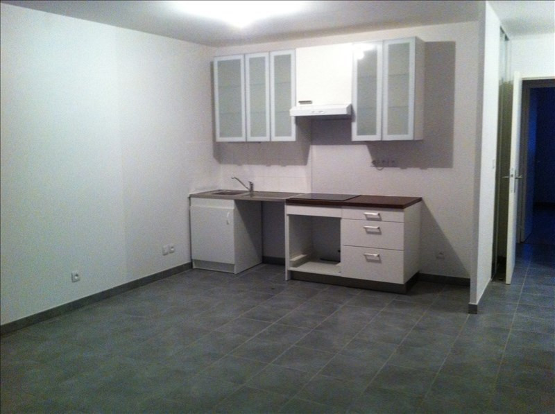 Location appartement Oullins 776€ CC - Photo 1