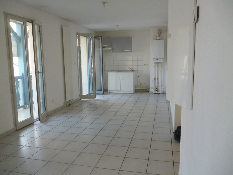 Location appartement Tarbes 402€ CC - Photo 1