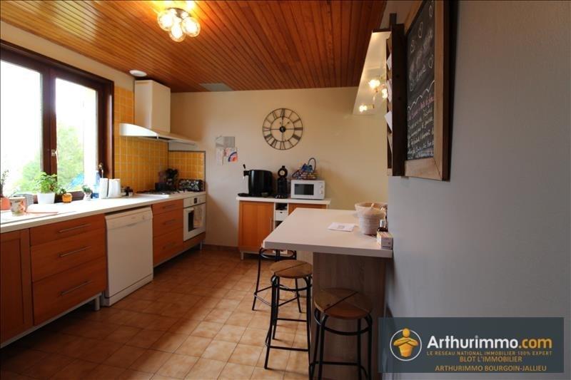 Sale house / villa Les eparres 275000€ - Picture 7
