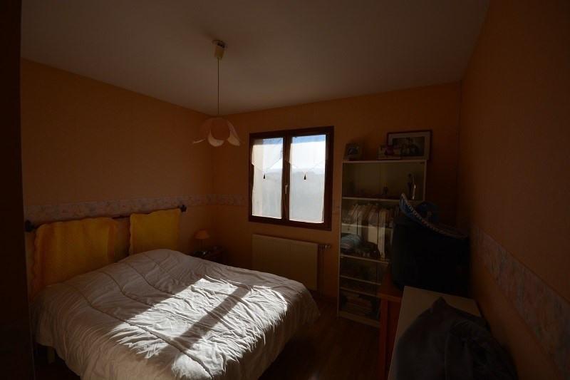 Sale house / villa L'isle d'abeau 279000€ - Picture 5
