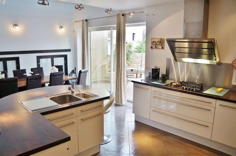 Sale house / villa L isle d abeau 347000€ - Picture 2