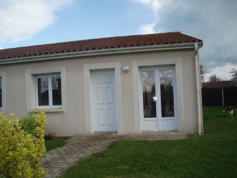 Rental house / villa Chemille 593€ CC - Picture 4