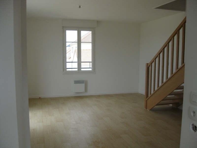 Rental apartment Villiers sur orge 925€ CC - Picture 2