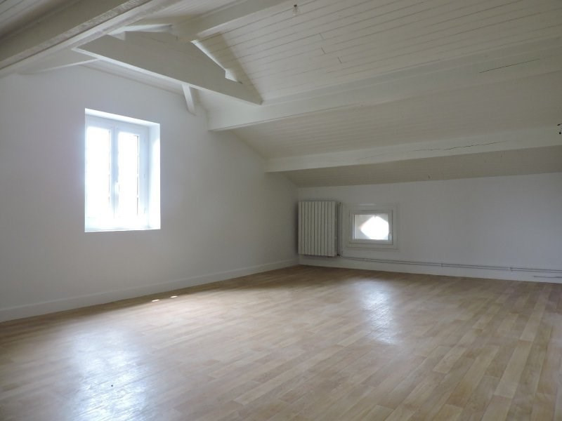 Rental house / villa Le passage 950€ CC - Picture 9