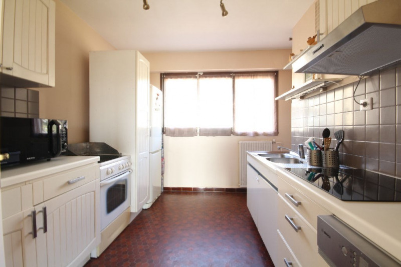 Sale apartment Le mesnil le roi 310 000€ - Picture 3
