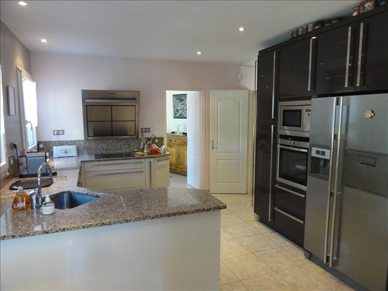 Deluxe sale house / villa Montfort l amaury 884000€ - Picture 3