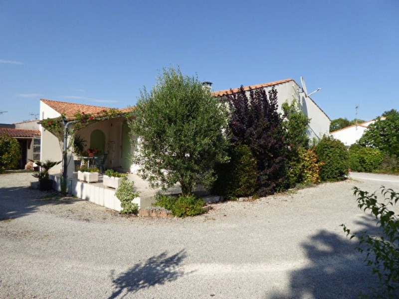 Sale house / villa Sainte soulle 329 000€ - Picture 1