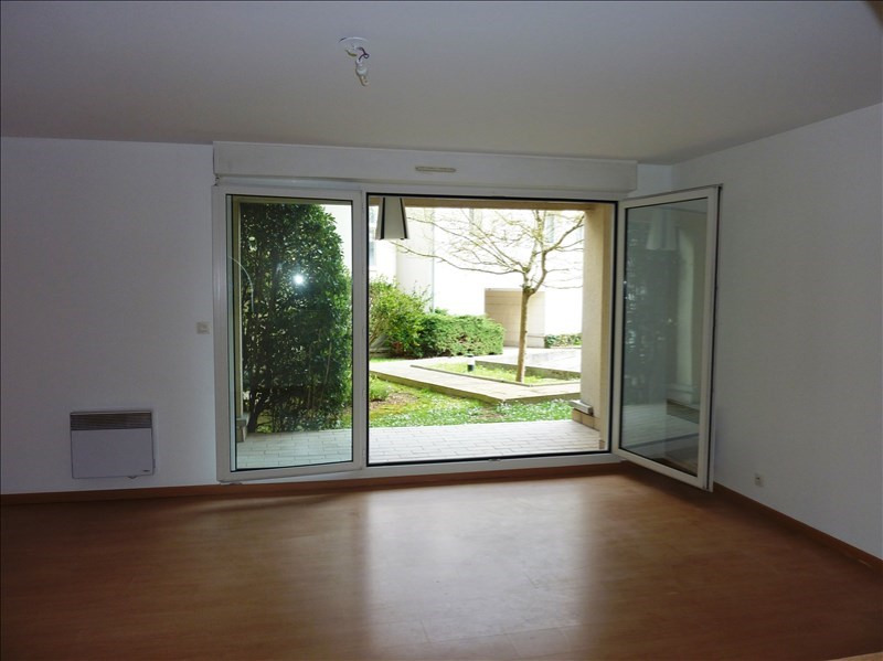 Location appartement Verrieres le buisson 890€ CC - Photo 3